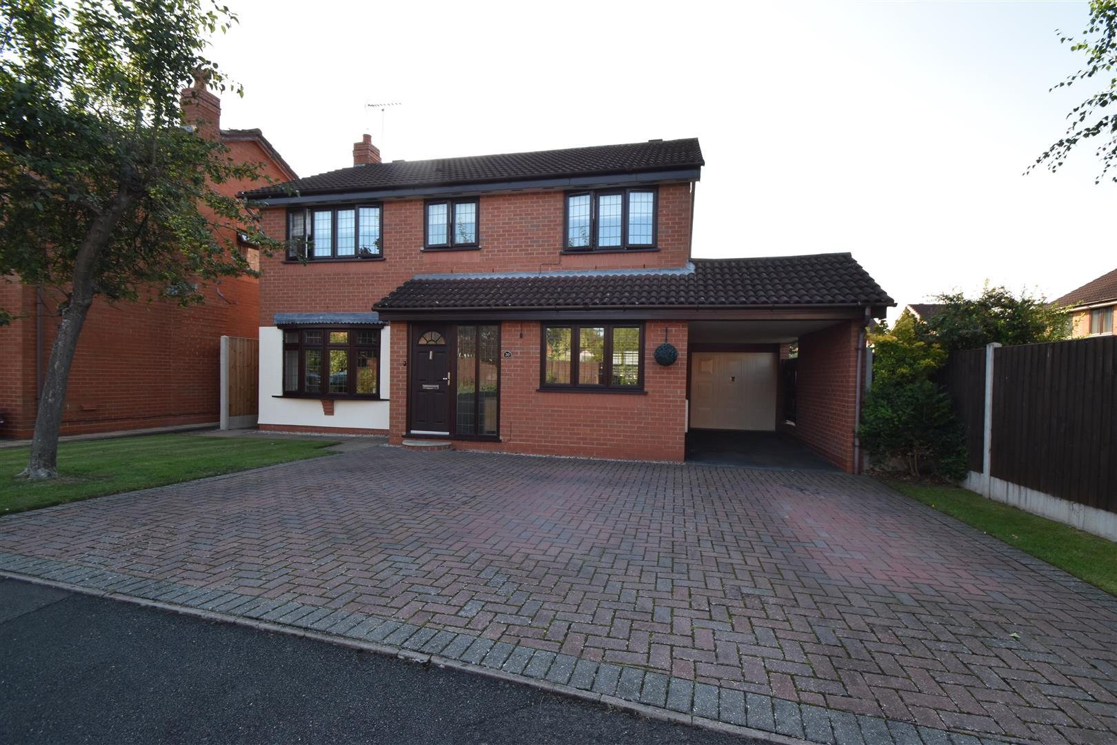 4 Bedrooms Property for sale in Brunel Close, Stourport-On-Severn